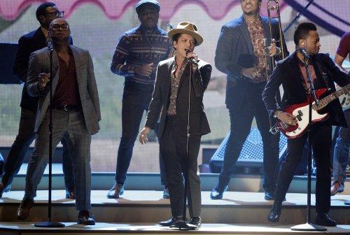 Bruno Mars' 'Heaven' No. 1 on U.S. record chart for a sixth week