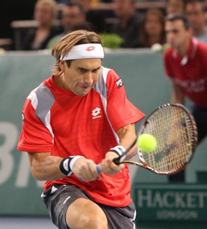 Ferrer repeats title win, keeps No. 4 rank