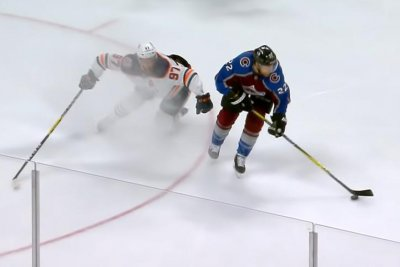 Avalanche forward Colin Wilson schools Oilers' Connor McDavid for goal