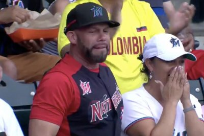 Marlins' Isan Diaz hits first homer during dad's interview