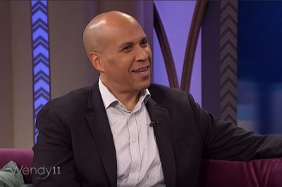 Cory Booker on future with Rosario Dawson: 'I have hope'