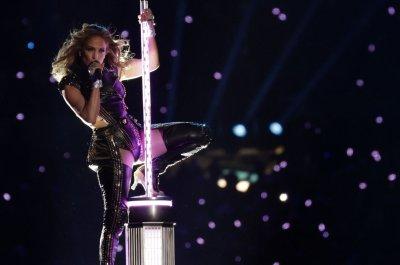 Jennifer Lopez, Shakira headline Super Bowl halftime show