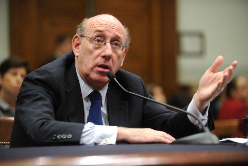 Big-bank execs not asked to return bonuses