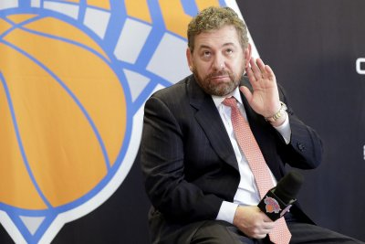 Report: Michael Jordan, Adam Silver might mediate Charles Oakley-James Dolan feud