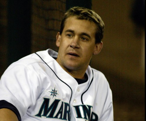 Former All-Star Bret Boone apologizes for comments on harassment