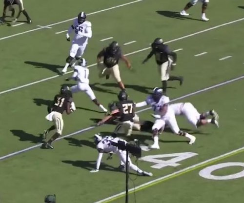 TCU's Jalen Reagor toys with Baylor defense with winding TD