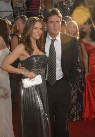 Sheen and wife expecting twin boys