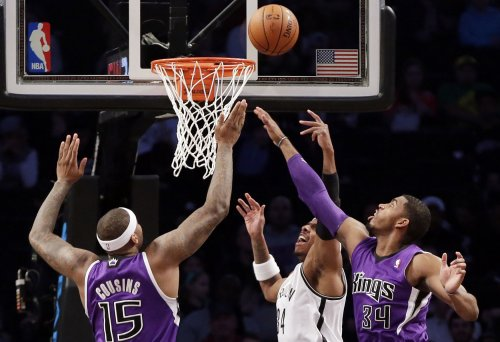 Sacramento Kings rout Milwaukee
