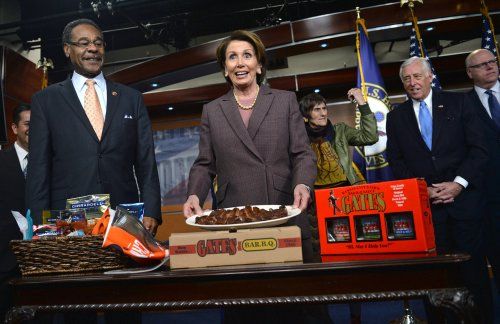Nancy Pelosi re-elected Democratic House leader