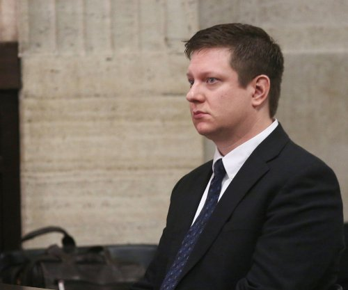 Chicago police officer asks for venue change in Laquan McDonald shooting trial