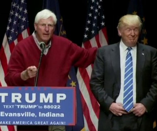 Bob Knight endorses Donald Trump, talks bombing