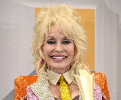 Dolly Parton to renew vows on 50th wedding anniversary