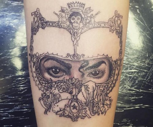 Paris Jackson honors Michael Jackson with 'Dangerous' tattoo