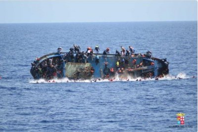 Up to 700 migrants feared dead in shipwrecks off coast of Libya