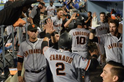 San Francisco Giants see opportunity against Arizona Diamondbacks to close gap