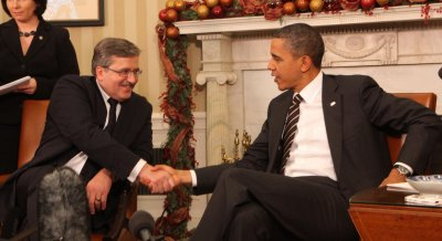 Obama apologizes to Poland