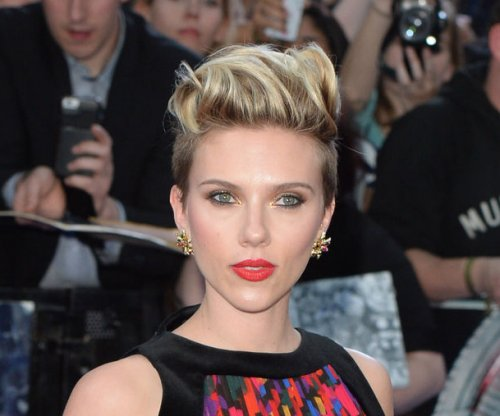 Scarlett Johansson, Jeremy Renner to face off in 'Captain America'
