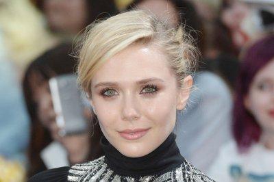 Elizabeth Olsen talks 'chemistry' with Tom Hiddleston