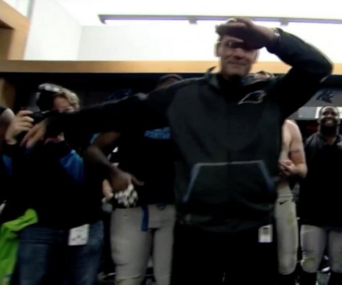Carolina Panthers coach Ron Rivera brings dab to locker room