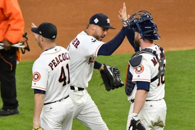 World Series: Houston Astros take command early, lead 2-1 over Los Angeles Dodgers