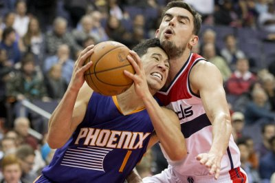 Devin Booker, Phoenix Suns go for third win over Memphis Grizzlies