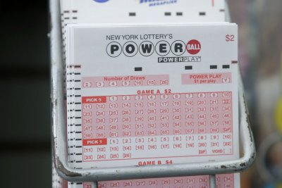 Powerball jackpot reaches $448M after no winner on Saturday