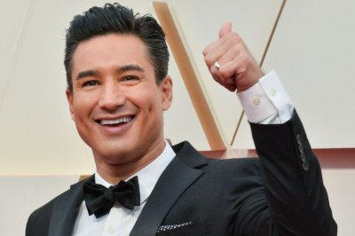 'Saved by the Bell': Mario Lopez returns in new revival teaser