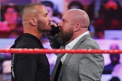 WWE Raw: Randy Orton faces Triple H, Alexa Bliss fires back