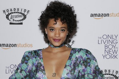Kiersey Clemons to return as Iris West in 'The Flash'