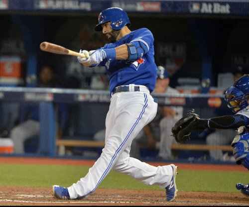 Jose Bautista, Josh Donaldson help Toronto Blue Jays widen lead over Baltimore Orioles
