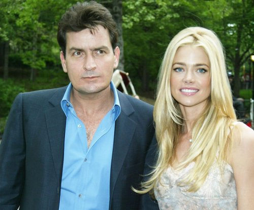 Denise Richards, Charlie Sheen pose for family photo