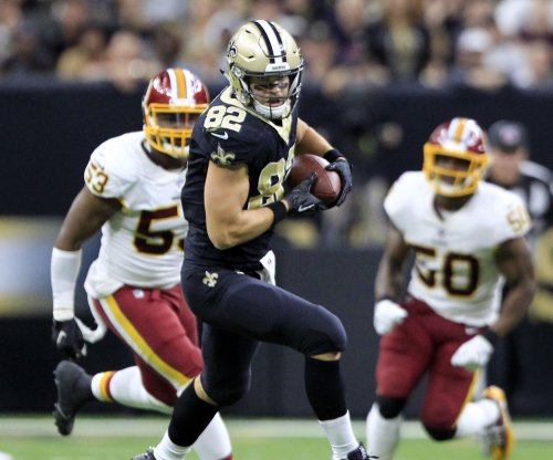 TE Coby Fleener: Concussion symptoms 'still there, unfortunately'