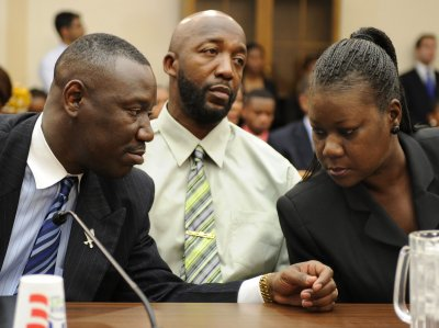 Trayvon Martin's family to seek federal review