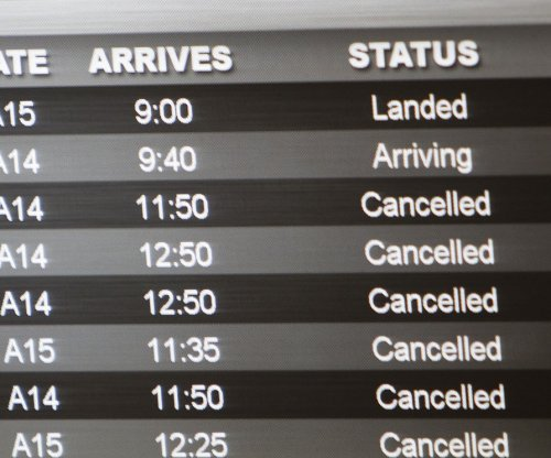 Glitch at FAA control center causes flight delays along East Coast