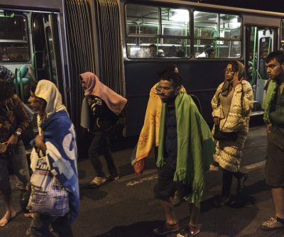 Thousands of migrants reach Austria for asylum