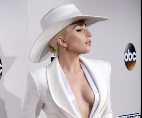 Lady Gaga tweets Kanye West: 'I support & love u brother'