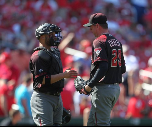 Miami Marlins complete two-year deal with RHP Brad Ziegler