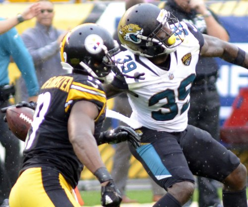 Jacksonville Jaguars safety Tashaun Gipson questionable, Leonard Fournette limited