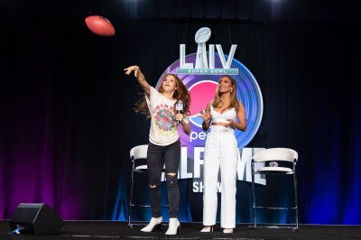 Jennifer Lopez, Shakira promise high-energy Super Bowl show