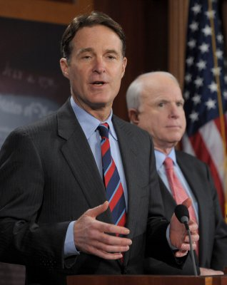 Conrad: Tie tax cuts to tax reform