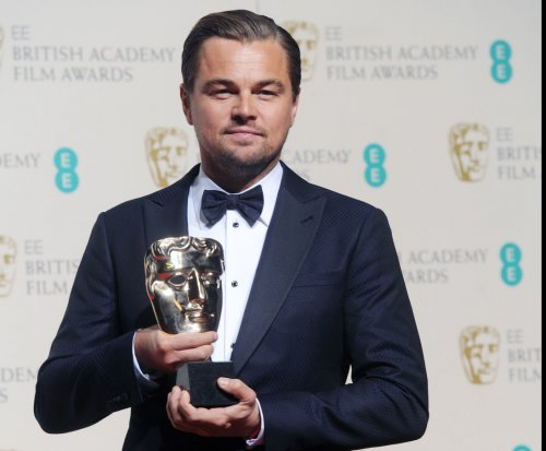 Leonardo DiCaprio, Maggie Smith share kiss at BAFTA Awards