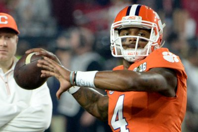 No. 3 Clemson controls Boston College in 56-10 win