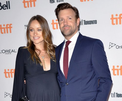 Olivia Wilde breastfeeds daughter Daisy in new photo