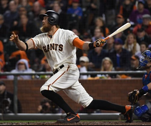 San Francisco Giants build big early lead in rout of Philadelphia Phillies