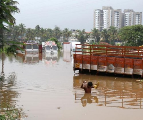 Death toll from India monsoon rises to 324; 200,000 homeless