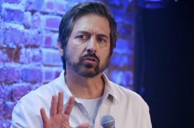 Ray Romano returns to stand-up in 'Right Here, Around the Corner' trailer
