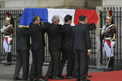 France gives former President Jacques Chirac full military burial
