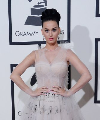 Katy Perry calls for end to gun violence after Maryland shooting