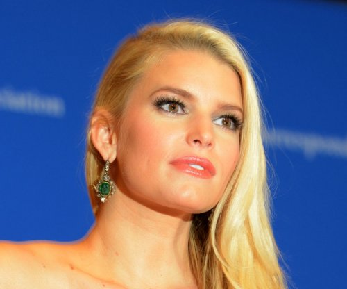 Jessica Simpson makes bizarre live TV appearance