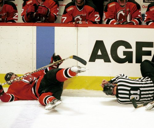 Report: Injured linesman's career might be done